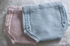 This Pin was discovered by Pat Knitting For Kids, Sewing For Kids, Baby Knitting, Knitted Baby Clothes, Knitted Hats, Knitting Paterns, Baby Girl Crochet, Baby Pants, Culottes