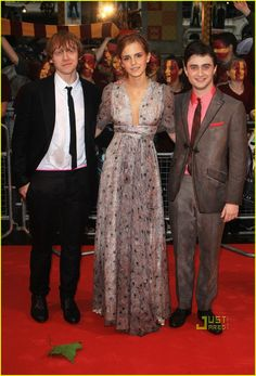Emma Watson's dress. Upcycle something to this style?