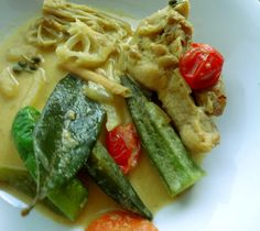 Ideal for hot weather : Thai green curry with lots of juicy veggies,