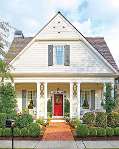 101 Ideas for Red Front Door. Many people choose red front door paint for their house. Read on what may be the reason behind the choice. Exterior Front Doors, Exterior Paint Colors For House, Paint Colors For Home, Paint Colours, Red Door House, Tan House, Black House, Exterior Paint Combinations, Color Combinations