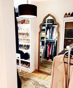 Walk in closet dressing room inspiration Dressing Room Closet, Closet Bedroom, Dressing Area, Dressing Rooms, Closet Vanity, Sweet Home, Glam Room, Dream Closets, Decoration Design