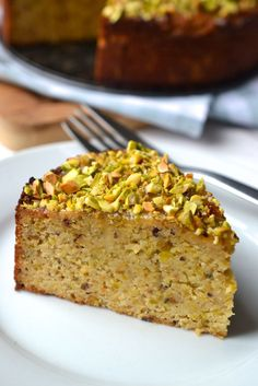 Print our free orange almond cake recipe to make a gorgeously delicious gluten free dessert that combines moist cake with a crunchy pistachio topping Gluten Free Desserts, Just Desserts, Passover Desserts, Gluten Free Cakes, Food Cakes, Cupcake Cakes, Cupcakes, Gateaux Vegan, Cake Recipes