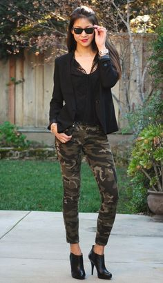 Going Undercover Camo Jeans Outfit, Camo Dress, Camo Outfits, Punk Outfits, Blazer Outfits, Stylish Outfits, Fashion Outfits, Camo Fashion, Look Fashion
