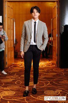 PEP List Year 3 Daniel Johns, Formal Men Outfit, Cute Casual Outfits, Cute Korean Boys, Cute Asian Girls, 90s Hair Men, Daniel Padilla, John Ford, Korean Fashion Men