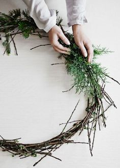 How to create your own Christmas wreath - Vogue Living