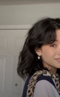 Short Hair With Bangs, Short Hair With Layers, Layered Hair, Short Hair Styles, Hairstyles Haircuts, Pretty Hairstyles, Indie Haircut, Poofy Hair, Hair Inspiration