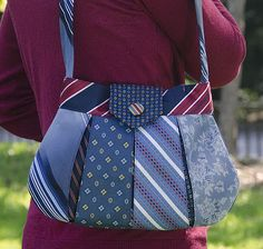 Necktie handbag made from recycled neck ties. Adorable! Love the colors they chose... Goodwill project!! Etsy Pattern $12.95