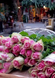 ❥ Paris  market roses