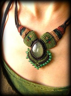 画像1: 癒しの天然石プレナイトのハンドメイド手編みネックレス/チョーカー*天然石*パワーストーン*マクラメ