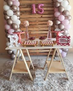 The anniversary is extra special. Check inspirations and tips for organizing a party 15 years simple and unforgettable! 22nd Birthday, Birthday Parties, Birthday Balloons, Farm Birthday, Vintage Birthday, 15th Birthday Decorations, Sweet 15, Ideas Para Fiestas, Birthday Invitations
