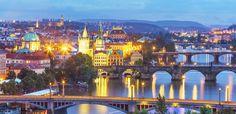 Prag ist die Stadt der kulturellen und architektonischen Highlights! Hier kannst du während deiner Städtereise faszinierende Skulpturen auf der Karlsbrücke …