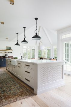 A Modern Classic Renovation (Before + After) - Emily A. Layout Design, Küchen Design, Design Ideas, Home Design, Design Inspiration, Interior Design, Kitchen Post, Kitchen Decor, Design Kitchen