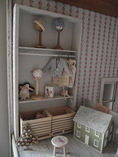Linden Rose Miniatures: November 2014