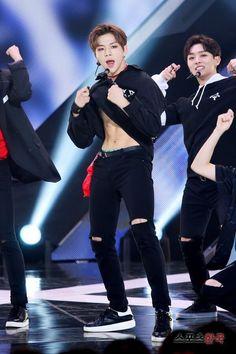 Kang Daniel Pics on Jin Kim, Korean Boys Hot, Daniel K, Guan Lin, Prince Daniel, Produce 101 Season 2, Kim Jaehwan, Ha Sungwoon, Kpop Guys