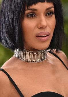 Kerry Washington's safety-pin choker lent a subversive edge to her Michael Kors gown.