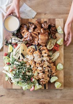 Confort Food, Food Combining, Summer Bbq, Salad Ingredients, Avocado Salad, How To Cook Quinoa, Antipasto, Bbq Grill, No Cook Meals