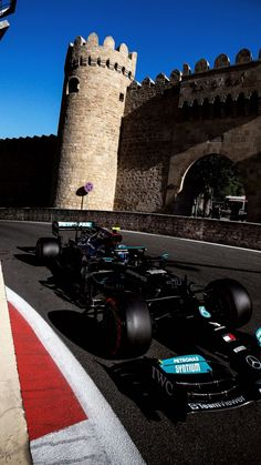 Lewis Hamilton, F 1, Le Mans, Gate, Louvre, Clouds, Photo And Video, Building, Travel
