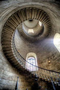 St Paul's Cathedral - London Oh my! I walked these stairs!! I needed oxygen!!