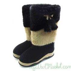 Women's black woolen winter boots with rubber sole and fur