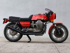 Exercise in restraint. 1978 Moto Guzzi Lemans 1 for sale via @motoborgotaro. #motoguzzi | #motoguzzilemans | #classicmotorcycle via ✨ @padgram ✨(http://dl.padgram.com)