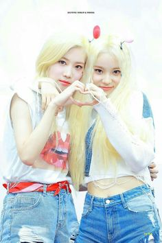 Read 🎼LipSoul(Loona)🎼 from the story Pictures Shipps Girls Bands Kpop by Gfriend_Fanfics (Gfriend , Kpop Girls FanFics) with 205 reads. The Band, Kpop Girl Groups, Korean Girl Groups, Kpop Girls, K Pop, Your Girl, My Girl, Fanfiction, Loona Kim Lip