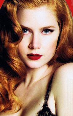 Amy Adams irresistibly beckoning and bewitching pout
