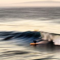 @turkstopnik • #bottomturn #blur #flattracker #singlefin #santacruz #california #winter #coldwater @cyclezombies @captainfinco @stancesocks @chris_christenson73 @matixclothing