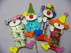 25 Children's day gifts ideas - Aluno On Kids Crafts, Diy And Crafts, Circus Crafts, Children's Day Gift, Clown Party, Chocolate Bouquet, Circus Birthday, Child Day, Valentines Day Party