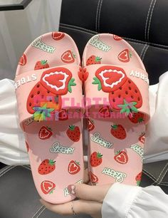 Slippers For Girls, Womens Slippers, Cute Homecoming Dresses, Wedding Shoes Bride, Fit Women, Preppy, Women's Clothing, Strawberry, Comfy