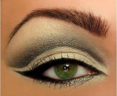 What compliments your eye color? #Greeneyes