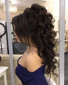 Wunderschöne Brautfrisur, die Sie inspiriert Beautiful Bridal hairstyle to inspire you – This stunning wedding hairstyle for long hair is perfect for wedding day,Wedding Hairstyle ideas – Farbige Haare Quince Hairstyles, Formal Hairstyles For Long Hair, Wedding Hairstyles For Long Hair, Wedding Hair And Makeup, Up Hairstyles, Pretty Hairstyles, Hair Makeup, Hairstyle Ideas, Stylish Hairstyles