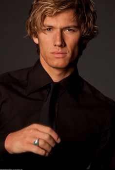 A gallery of Beastly publicity stills and other photos. Featuring Alex Pettyfer, Vanessa Hudgens, Mary-Kate Olsen, Neil Patrick Harris and others. Alex Rider, Beautiful Boys, Gorgeous Men, Pretty Boys, Beautiful People, Perfect People, Pretty Men, Magic Mike, Alex Pettyfer Wild Child