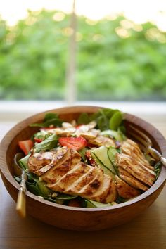 Easy Healthy Dinners, Healthy Chicken Recipes, Easy Healthy Recipes, Yummy Recipes, Healthy Food, Vegan Recipes, Yummy Food, Spinach Strawberry Salad, Spinach Salad