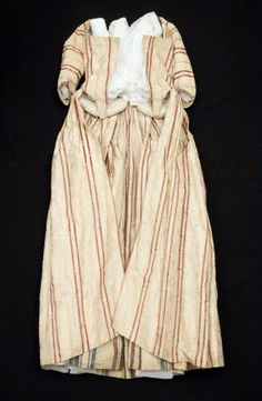 Open robe National Trust Inventory Number 1348729 Date1770 MaterialsGlazed cotton, Linen, Silk, Wool CollectionSnowshill Wade Costume Collection, Gloucestershire (Accredited Museum)