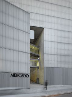 Nieto Sobejano Arquitectos, Roland Halbe · Barceló Market, Library and Sports Hall Industrial Architecture, Facade Architecture, Contemporary Architecture, Facade Design, Exterior Design, Mercado Madrid, U Glass, Cladding Systems, Sport Hall