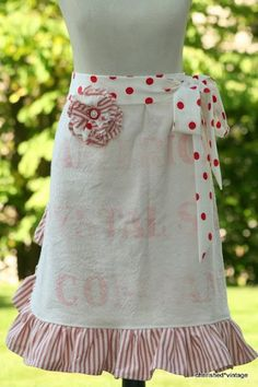 ~ love the aprons at ~ CHERISHED*VINTAGE