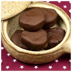 Εκπληκτικές καριόκες — Paxxi Greek Desserts, Easy Desserts, Delicious Desserts, My Recipes, Sweet Recipes, Cooking Recipes, Sweet Corner, Chocolate Sweets, Cooking Time