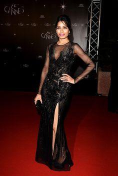 Freida Pinto en Versace, Cannes 2012