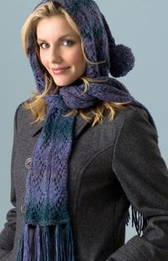 This is a super-cute, free hooded scarf. Easy Knitting level!