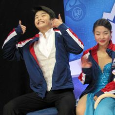Alex Shibutani, with sister Maia, hams it up for the crowd at 2010 Skate America.