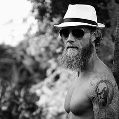 Be fucking polite! #humbleandkind #beard #justgrowit #beardlife #bearded #groom #lifestyle #tattoo #lion