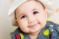 How much do you know about your baby's eyes development? If you want to get a basic idea about the eye evelopment in babies during the first 8 months, read our infographic: