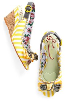 Sunny Stride Up Heel by Poetic License. My absolute favorite brand. Creative, wellmade, quirky and not out rageously expensive. A pair of Poetic License shoes IS an outfit all on it's own License Dream Shoes, Crazy Shoes, Me Too Shoes, Heeled Boots, Shoe Boots, Shoes Heels, Vintage Heels, Retro Vintage, Summer Accessories