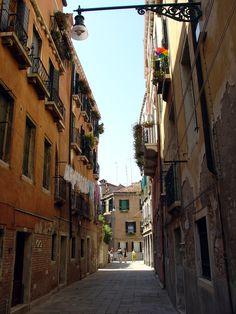https://flic.kr/p/aWMpx | Dusty Walls Venice Italy