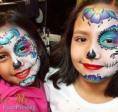 Halloween Makeup Sugar Skull, Amazing Halloween Makeup, Sugar Skull Makeup, Halloween Ideas, Face Painting Colours, Face Painting Designs, Sugar Skull Face Paint, Sugar Skulls, Zombie Face