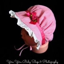 This infant (fits <12mth old) bonnet has an interfaced brim, eyelet lace and rick rack trim. Back is solid (no opening) with encased elastic at the neck. Fabric ties stay put when tied and won't slip or come untied like ribbon. *From smoke free and pet free environment. *Enjoy the 2nd Summer Ha...