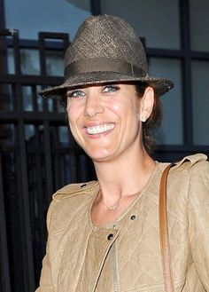 Kate Walshs sleek, updo hairstyle