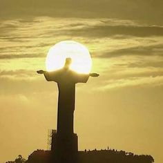 Christ The Redeemer Was The Unexpected Star Of The World Cup Final Christ The Redeemer Statue, Jesus Wallpaper, Soccer Girl Problems, Manchester United Soccer, World Cup Final, Sky Aesthetic, Christian Art, Religious Art, Life Is Beautiful