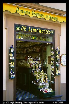 Picture/Photo: Store specializing in Lemoncelo, the local lemon-based liquor, Amalfi. Amalfi Coast, Campania, Italy