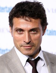 Rufus Sewell: I met him once in an elevator at Heathrow. I think I actually stopped breathing :)
